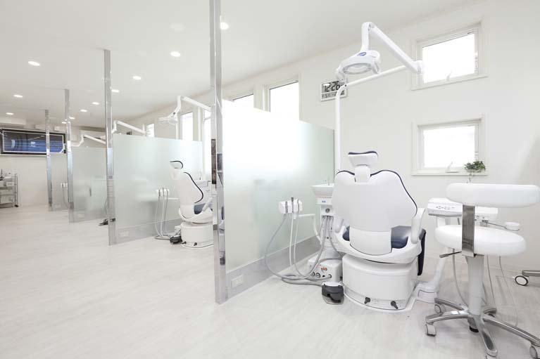 診療室(5台)